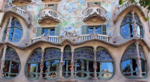 La prima casa di Gaudì apre le sue porte per un soggiorno speciale: l'iniziativa di AirBnb