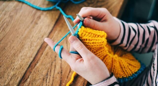 Schemi lavori a maglia: modelli per imparare a sferruzzare e per esperti