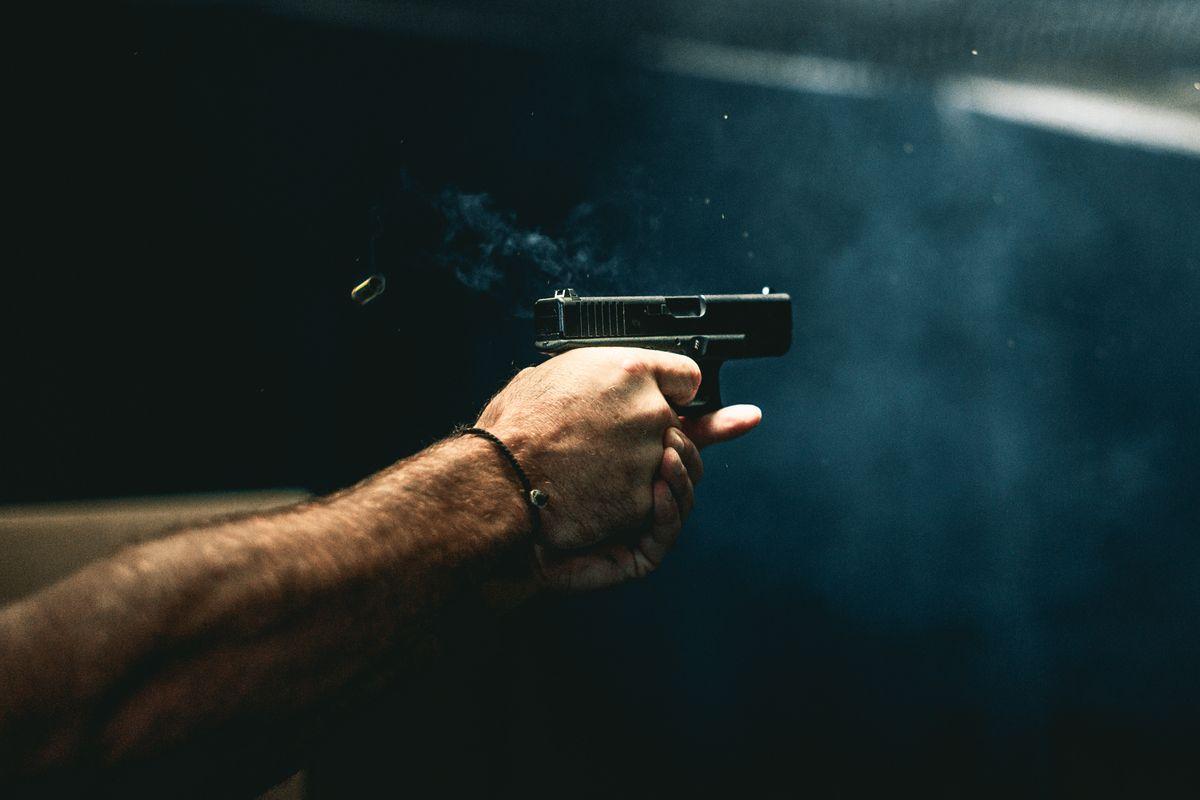 sparare con la pistola