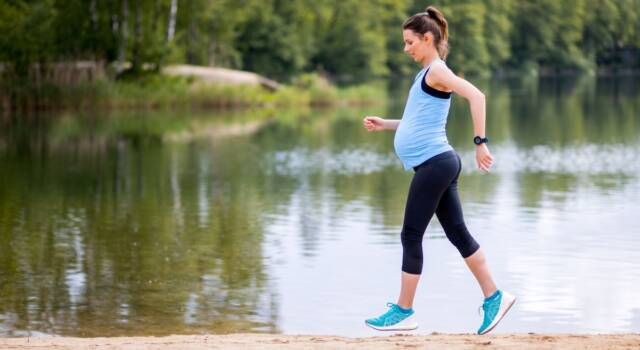 Corsa in gravidanza: sì o no? Ecco cosa c'è da sapere