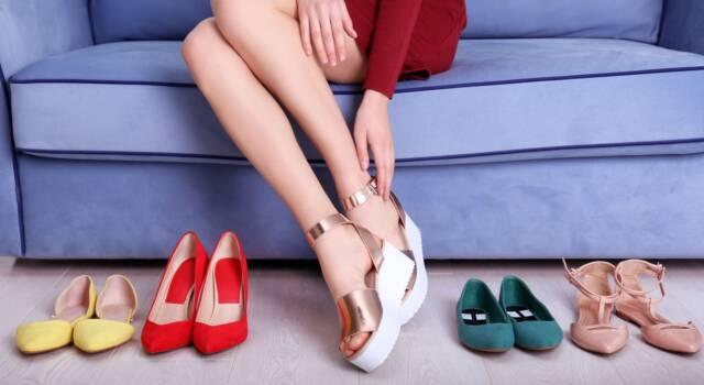 Sex and the City 7 già detta moda: le scarpe con la zeppa sono trend delle over 50