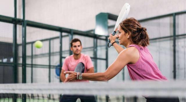 Padel: cos'è e come si pratica lo sport del momento