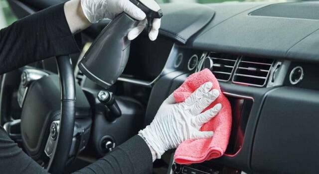 Lavaggio interni auto: come realizzarlo in modo rapido, pratico e naturale