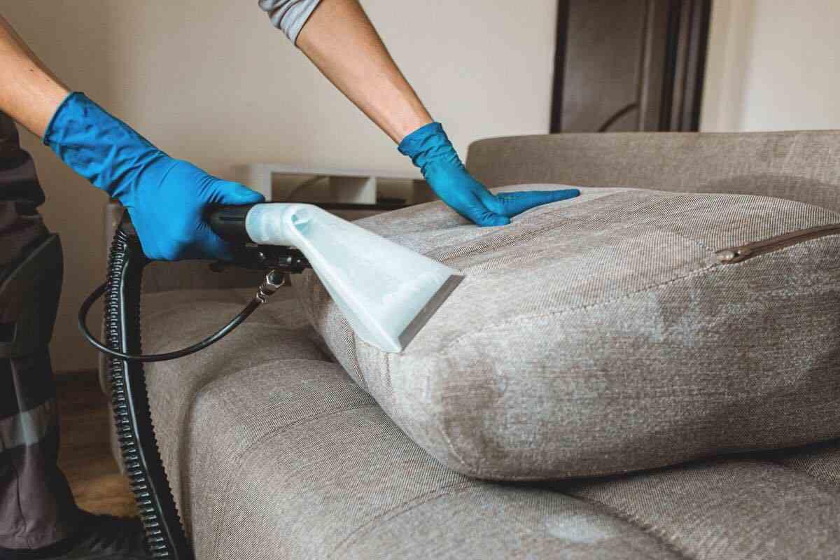 pulizia divano