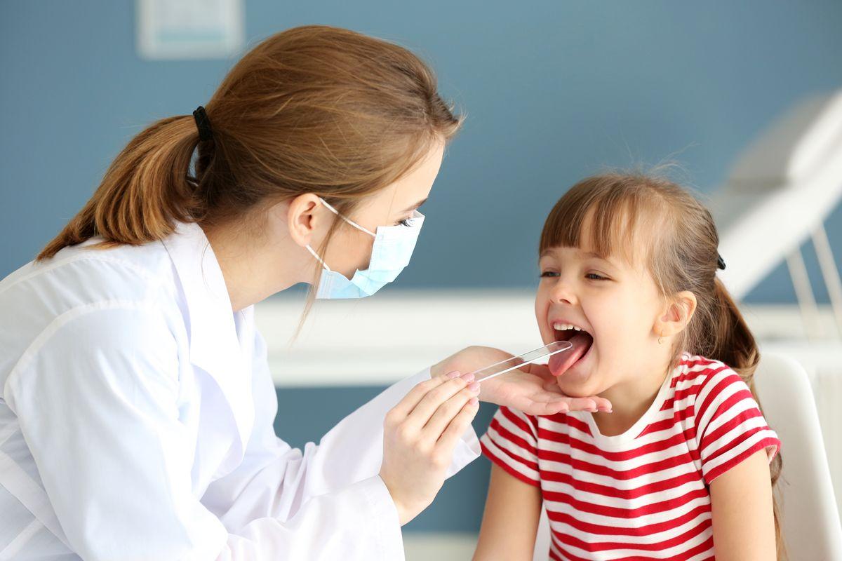 Visita pediatrica mal di gola