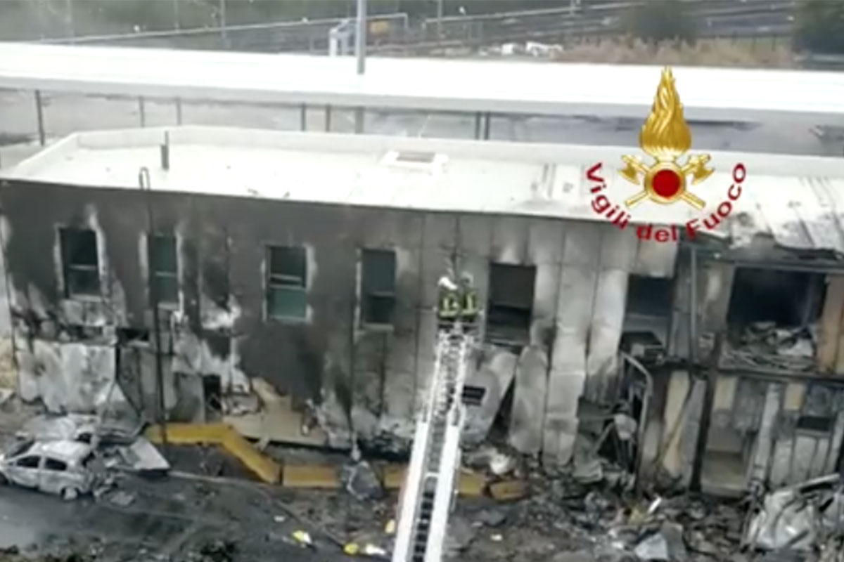aereo caduto Milano
